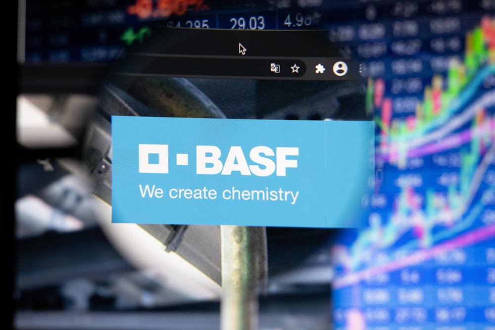 Chemieriese-gibt-Gas-BASF-steigt-ins-E-Mobility-Geschäft-ein